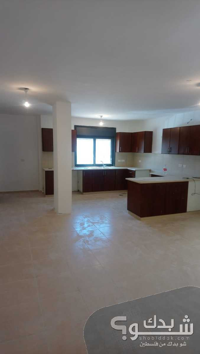 شقة مستقلة جديدة - مدخل وموقف خاص طابق اول - مطلة